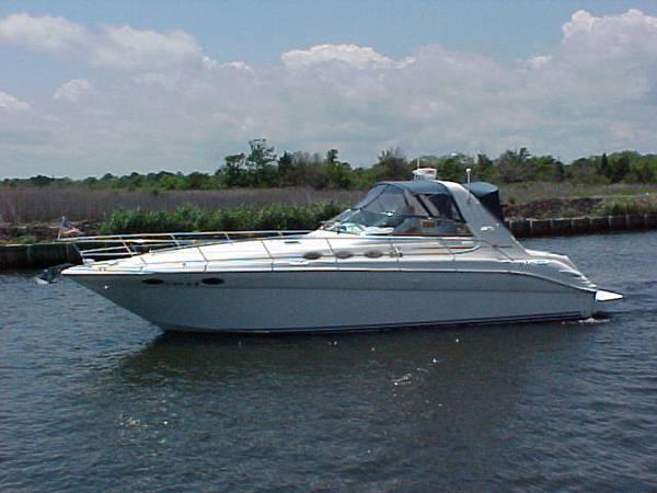 Sea Ray 370 Sundancer Portside
