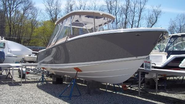 Pursuit S 280 Sport Starboard Bow