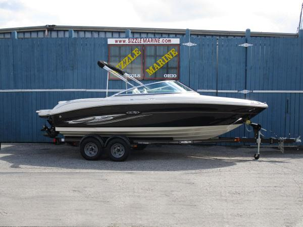 Sea Ray Select 200