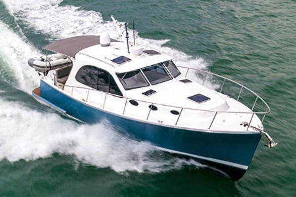 Palm Beach Motor Yachts PB42