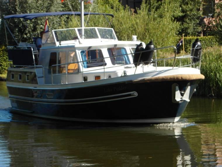 Aquanaut Drifter Trawler 1050 AK