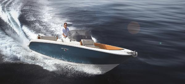 Invictus 240FX Special offer! w/Engine!
