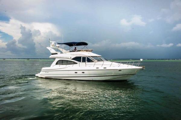 Cruisers Yachts 50 Sport Sedan 1999 50 Cruisers - Starboard Profile