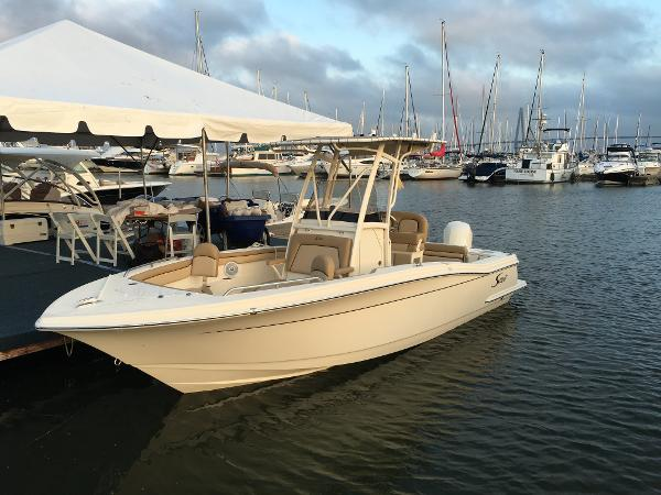 Scout Boats 215 XSF