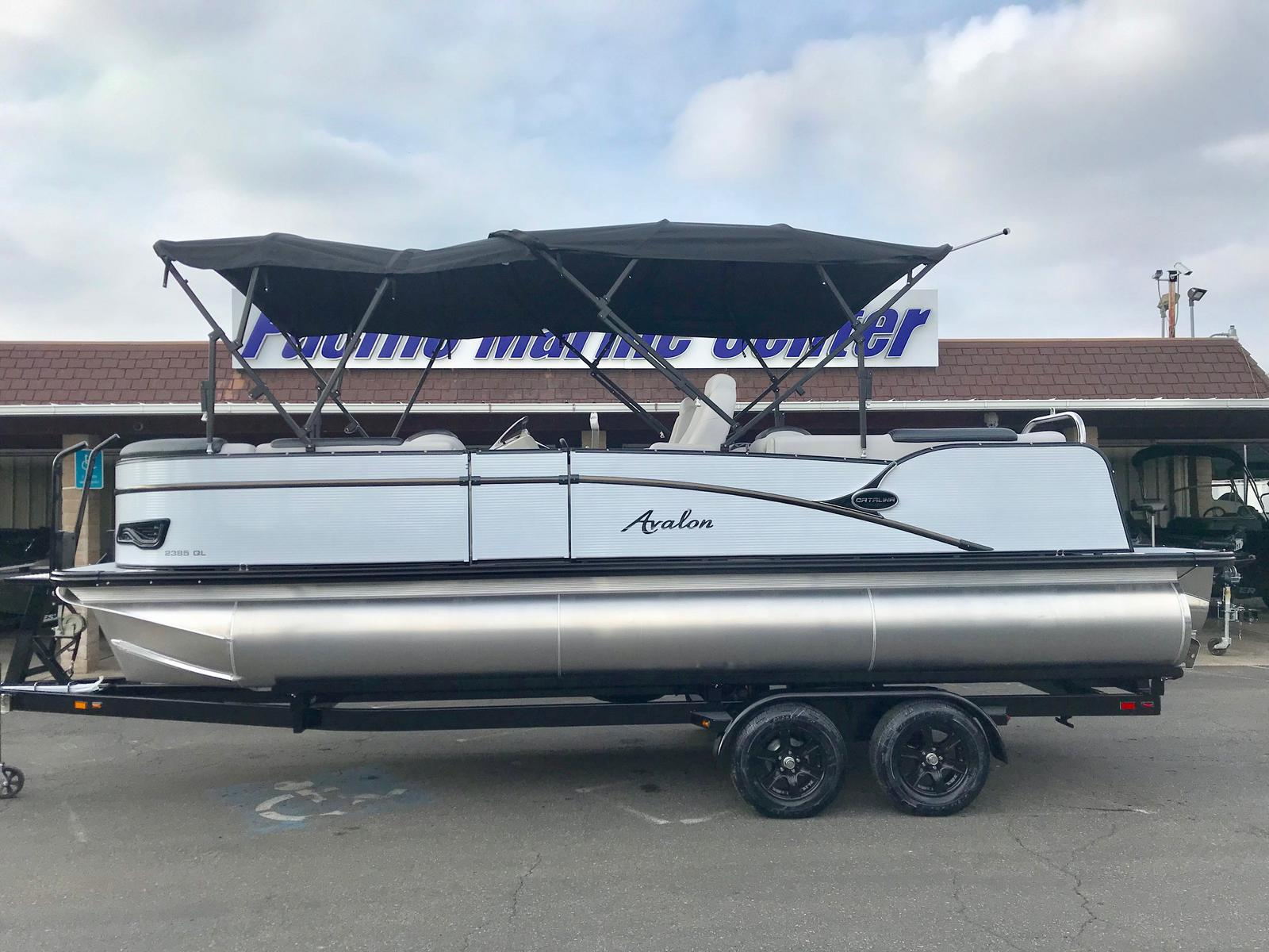 Avalon 23' Catalina Quad Lounge w/ 150 HP Mercury