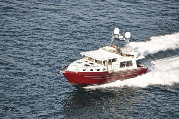 EagleCraft 45' Pilothouse Cruiser