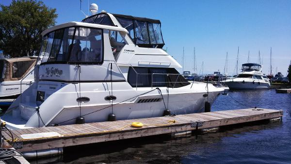 Carver 356 Motor Yacht