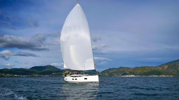 Jeanneau Jeannea Yachts 51