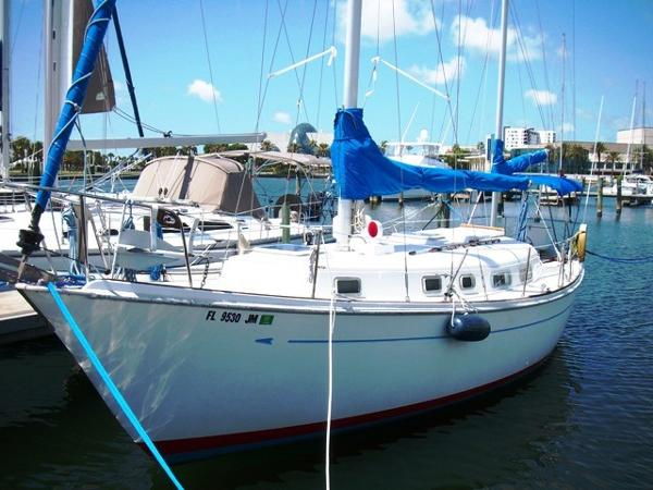Allied 36 Princess Ketch Profile_Port Bow