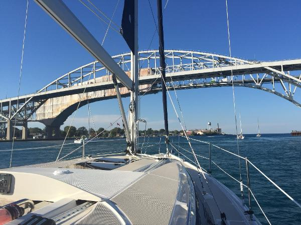 Hunter 31 Sailing Under the Blue Water Bridge on the Hunter 31