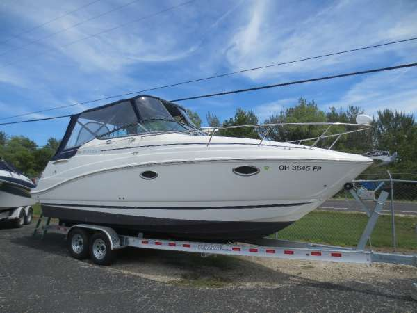 Rinker Express Cruiser 260