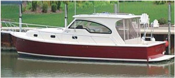 Mainship Pilot 34 Hardtop Sedan GAMECOCK (Sistership)