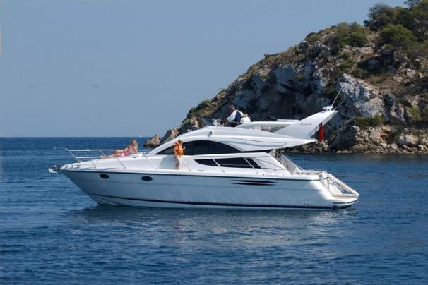Fairline Phantom 40 Manufacturer Provided Image: Phantom 40