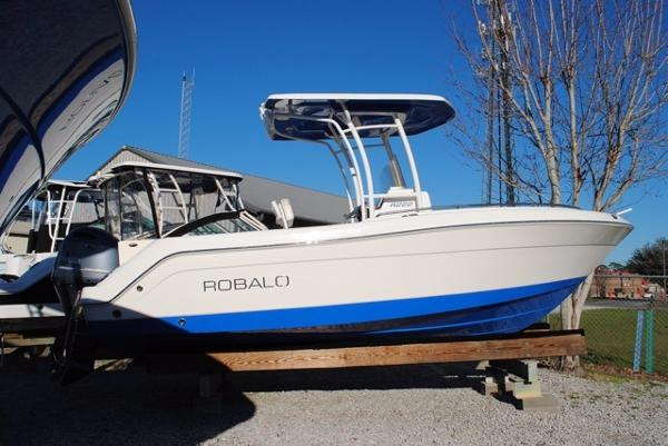 Robalo R222 Center Console 2017-Robalo-R222-Center-Console-Boat-For-Sale