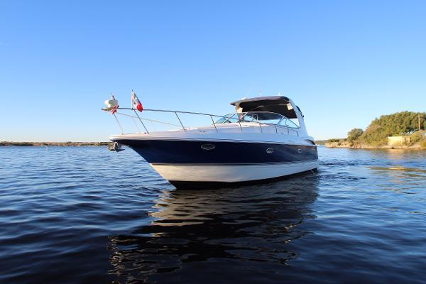 Cruisers Yachts 370 Express