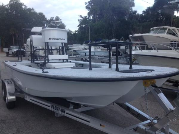 Bossman Xtreme 20 Full Tunnel Skiff