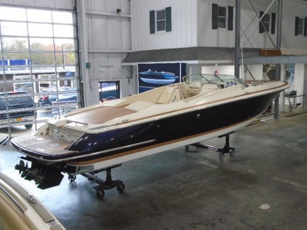Chris-Craft Corsair 32