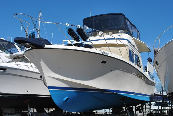 Chris-Craft Catalina 426 Double Cabin