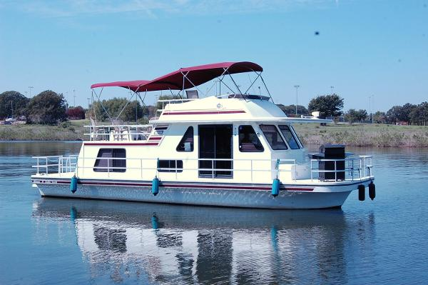 Gibson 41 Custom Houseboat