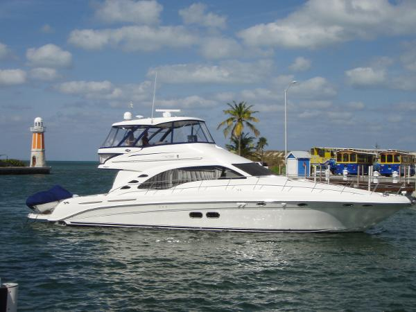 Sea Ray 580 Sedan Bridge 2013 arrival in Cayman