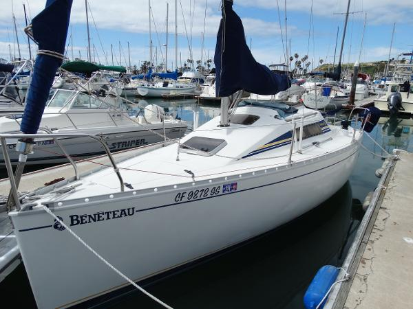 Beneteau First 23.5 Port Bow View