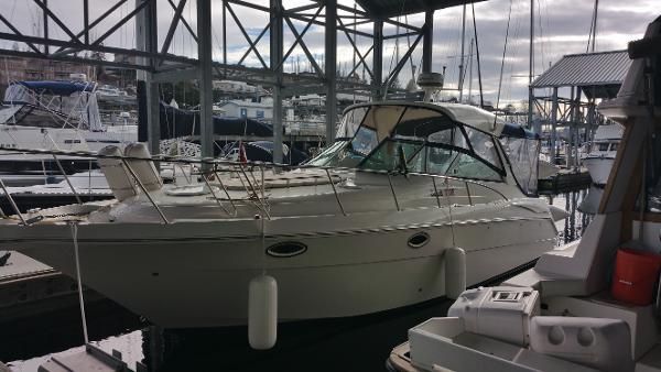 Monterey 322 Cruiser Starboard Profile