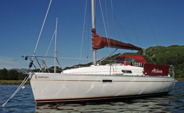 Beneteau Oceanis 281 - Port side view