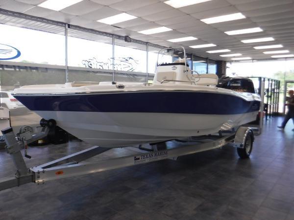 NauticStar 211 Coastal