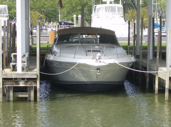 Sea Ray 400 Express Cruiser Under Cover