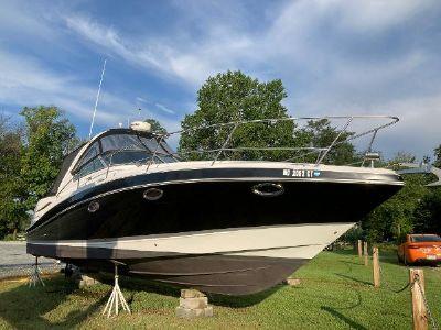 Four Winns 338 Vista Starboard Bow
