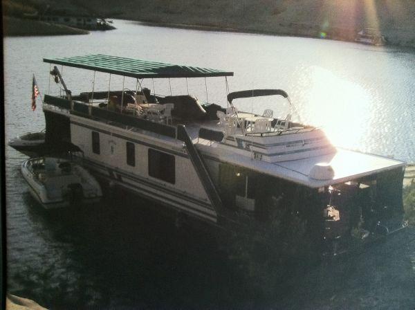 Stardust Cruiser  Houseboat