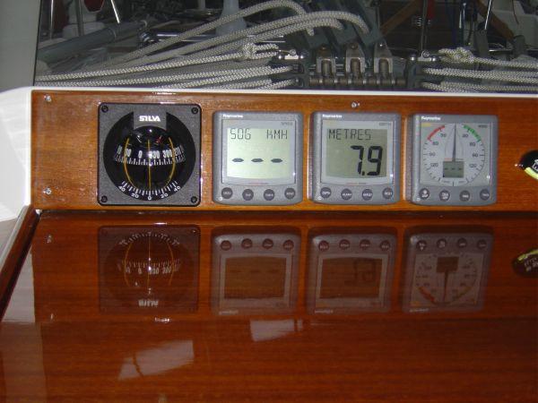 Instrument uotside above the sliding hatch