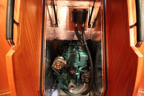 Volvo D2 75 diesel engine