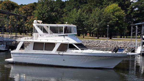 Prima 45 Seahorse Sedan Prima 45 Starboard Profile