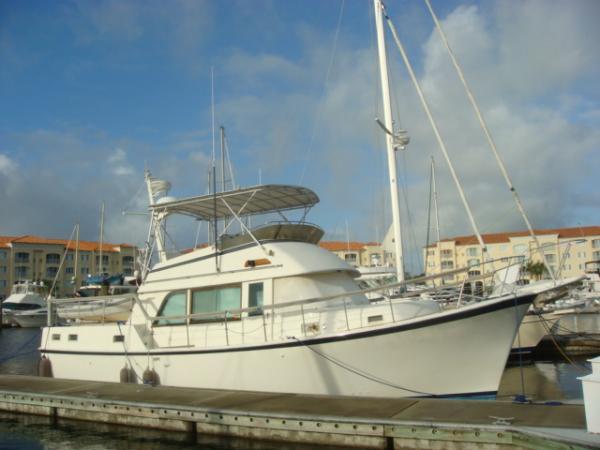 Hatteras Long Range Cruiser 42' Hatteras LRC starboard profile