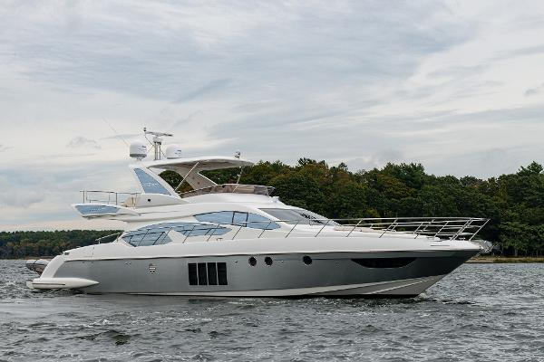 """Azimut Motoryacht """"Star Light"""" 2013 64' Azimut Flybridge"""