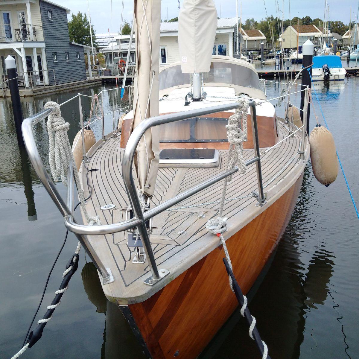 Boatyard Mahagony Werftbau Unikat