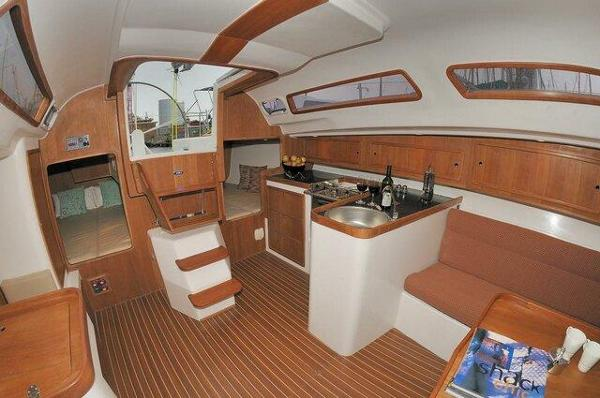 Pacer Yachts 376 EP Interior