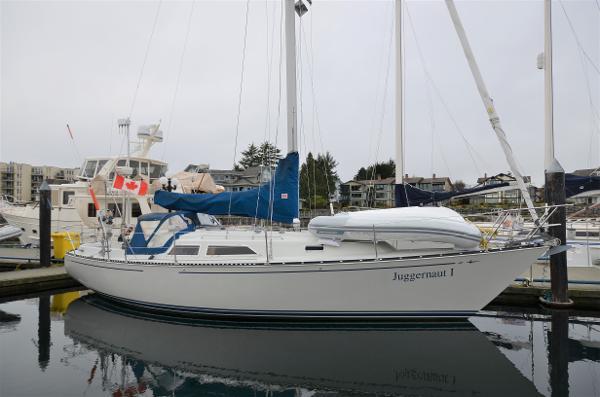 C&C 37 Starboard Profile
