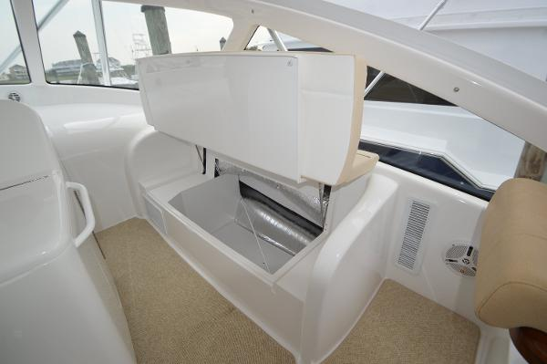 Storage under side bench seats