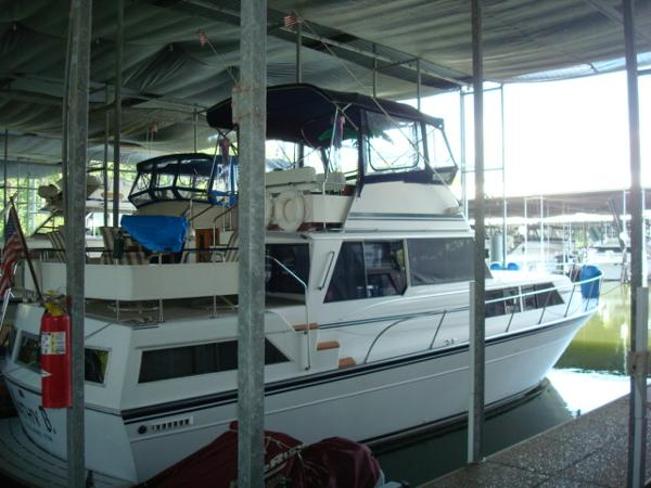 Marinette 39 Aft Cabin / Marinette 39 Double Cabin