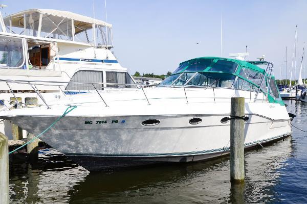Cruisers 3775 Esprit