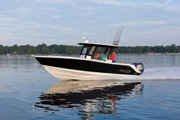 Robalo R302 CC 2017-In STOCK Manufacturer Provided Photo