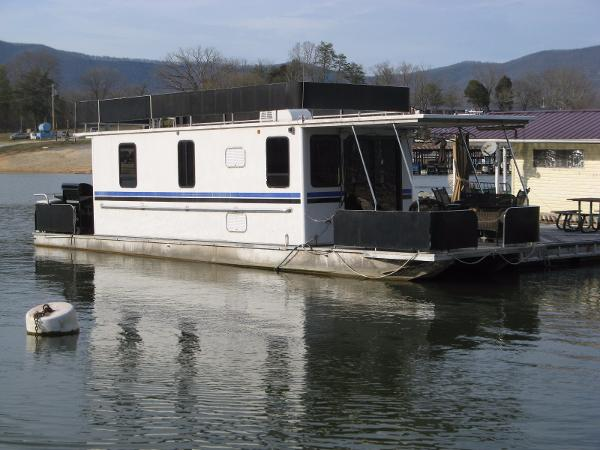 Horizon 10 x 42WB Pontoon Houseboat