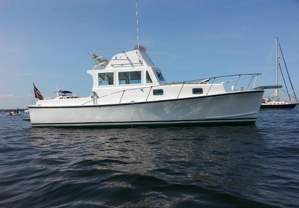 Webbers Cove 34 Downeast Flybridge Cruiser