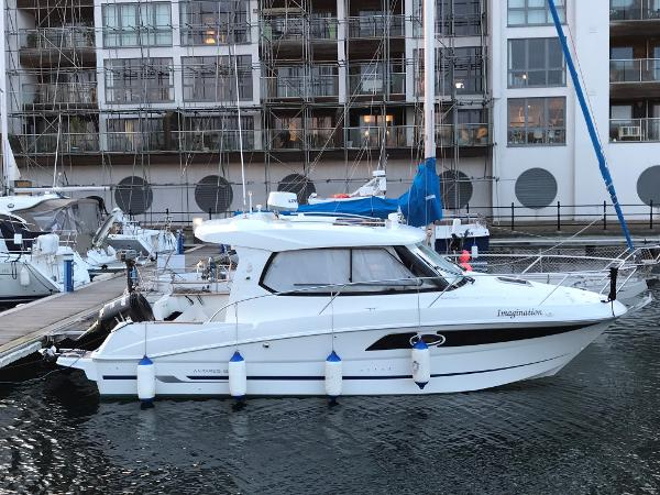 Beneteau Antares 880 Beneteau Antares 880 - Stb Side Profile