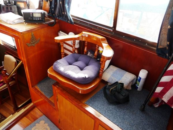 Pilothouse 1st mate helm