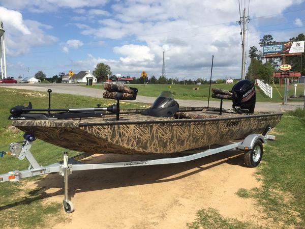 LOWE BOATS Stinger 195 Poly Camo