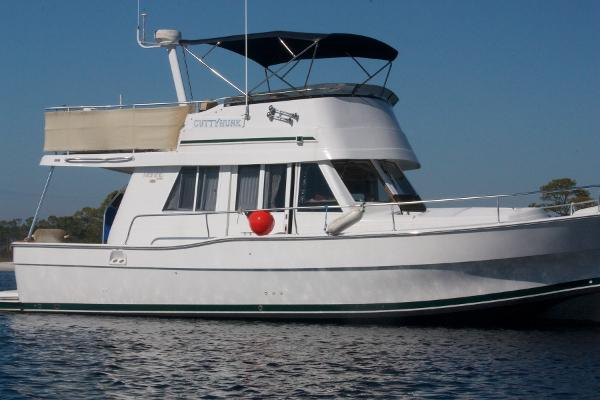Mainship 390 Trawler Starboard Profile