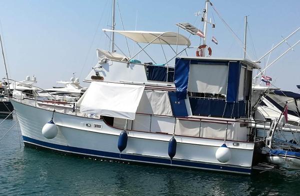 Island Gypsy 39 Trawler
